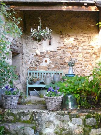 Superbacana blog giardino provenzale - Shabby chic giardino ...
